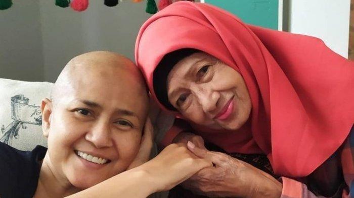 Ibunda Mendiang Ria Irawan, Artis Senior Ade Irawan Meninggal Dunia