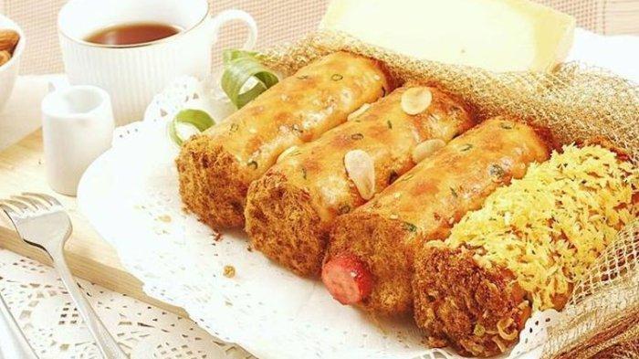 Roti Abon Gulung dari Hawai Bakery, oleh oleh terkenal dari Papua.