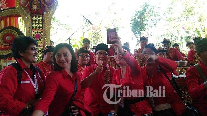 Sebut PDIP Tak Bisa Lepas dari Sosok Bung Karno, Ruhut Sitompul Dukung Megawati Jadi Ketum Lagi