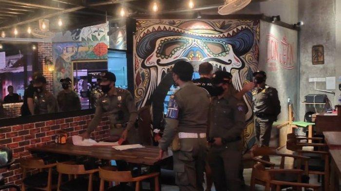 Viral WNA di Bali Adu Mulut dengan Satpol PP, Ngotot Tak Mau Pulang meski Restoran Sudah Tutup