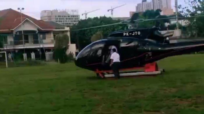 Viral Helikopter Mendarat di Lapangan Sepak Bola di Depok, Kapolsek Beji Beri Penjelasan