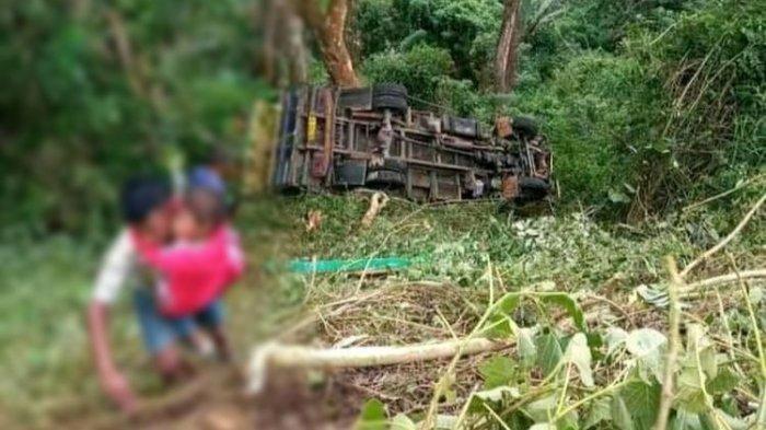 Sebuah mobil truk kayu bernama Gatra, jatuh ke jurang sedalam 20 kilometer di Desa Nuaja, Kecamatan Ende, Senin (7/6/2021).