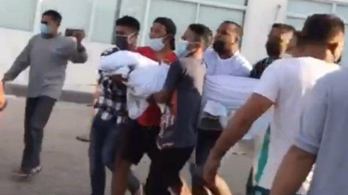 Viral Video Jasad Pasien Covid-19 Digotong Keluar RS oleh Warga, Penjelasan Satgas Ditolak Keluarga