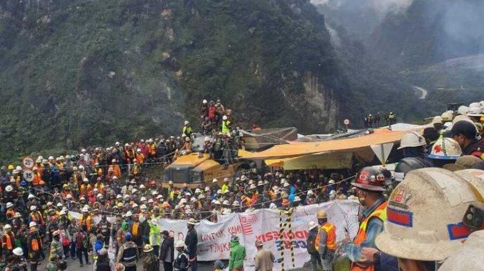 Demo Tuntut Pemberian Insentif, Karyawan Freeport Blokade Jalan Tambang di Tembagapura