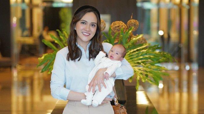 Waspada Virus Corona, Shandy Aulia Larang Orang Sentuh Bayinya: Yang Boleh Ya Mama Papanya