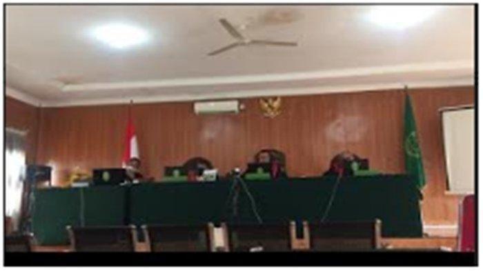Dituntut 7 Tahun Penjara karena Main Wanita Pakai Dana Covid-19, Kades Ini Minta Belas Kasihan Hakim