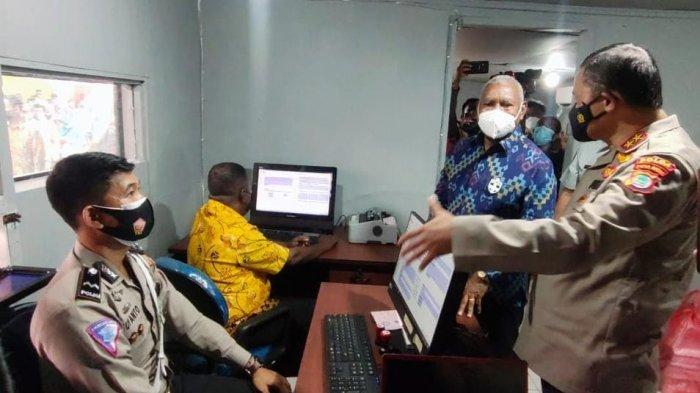 Percepat Layanan, Polda Papua Barat Luncurkan Program SIM Drive Thru dan Samsat Drive Thru