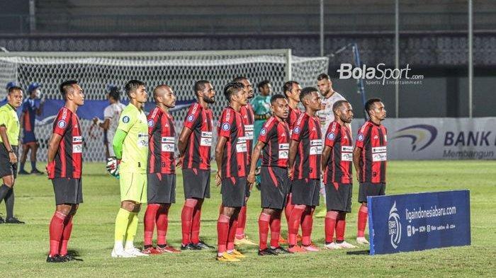 Skuat Persipura Jayapura sedang bersua foto tim dalam laga pekan ketiga Liga 1 2021 di Stadion Indomilk Arena, Tangerang, Banten, 19 September 2021.