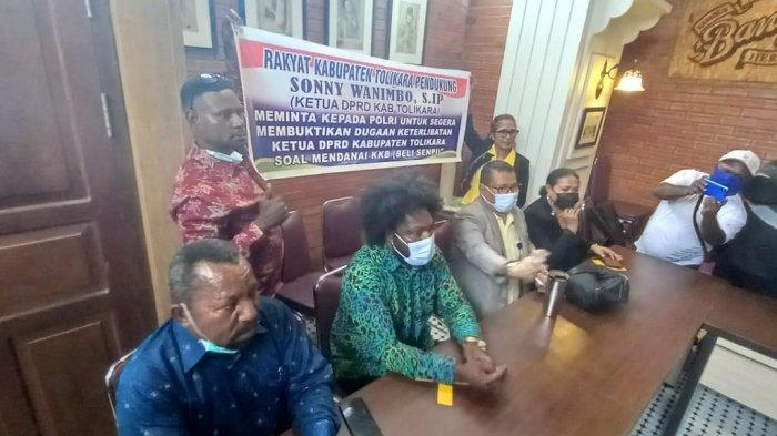 BREAKING NEWS : Ketua DPRD Tolikara Angkat Bicara Soal Transferan Uang Buat KKB