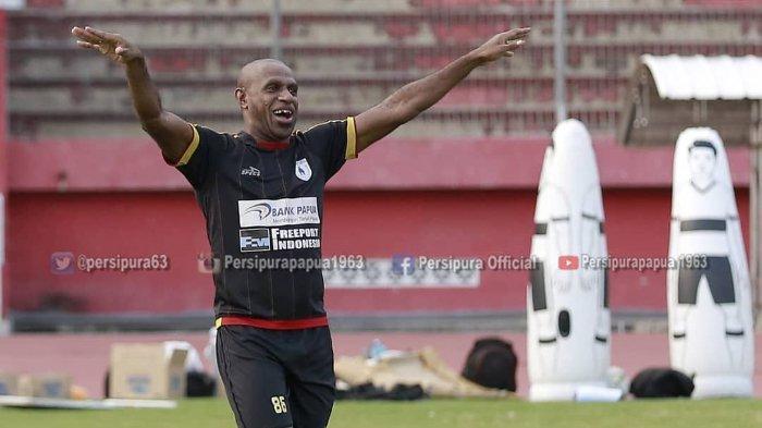 Perjalanan Striker Persipura Jayapura  Boaz Solossa Pecahkan Rekor Tersulit di Liga Indonesia