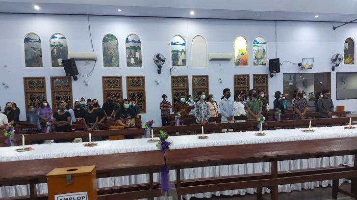 Jemaat Siloam Waena di Jayapura Rayakan Jumat Agung dengan Perjamuan Kudus