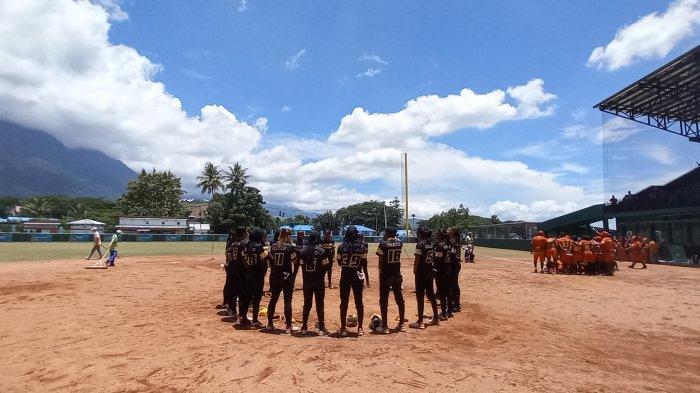 Tim Softball Sulawesi Tenggara Melaju ke Final Usai Libas Papua Barat 7-5
