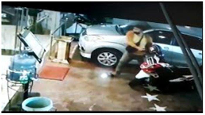 CCTV Rekam Detik-detik Pelaku Pembunuh Yuliana Masuk Hotel, Sempat Kena Tegur oleh Satpam