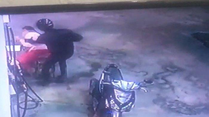 Viral Video Perampokan SPBU di Bali, Todongkan Pedang ke Petugas setelah Pura-pura Beli Pertalite