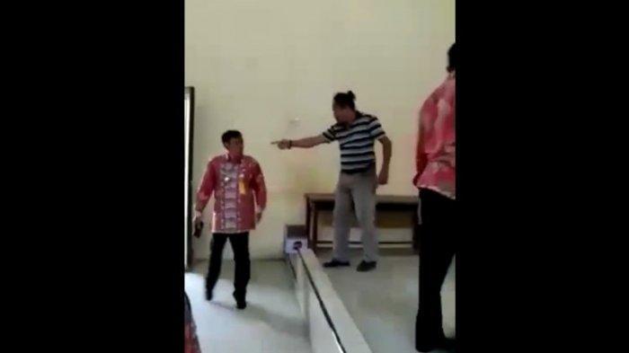 Viral Video Pria Mengamuk di Kantor Desa, Diduga Depresi setelah Kalah dalam Pilkades