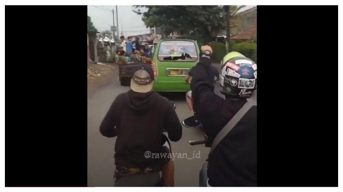 Viral Video Sopir Angkot Dikejar Warga karena Tabrak Pengendara Motor, Satu Orang Meninggal