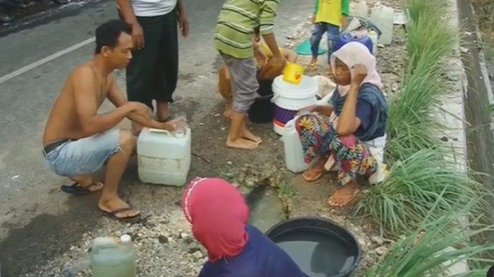 Video Viral Warga Mengais dari Kubangan Air Pipa yang Bocor, Pihak PDAM: Sudah Kami Perbaiki