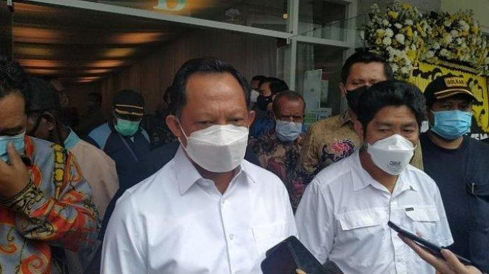 Ikut Berduka atas Meninggalnya Wagub Klemen Tinal, Mendagri: Satu di Antara Putera Terbaik Papua