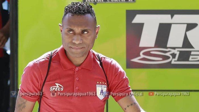 Kontrak dengan Bhayangkara FC Dipastikan Gagal, Titus Bonai Bakal Kembali ke Persipura?