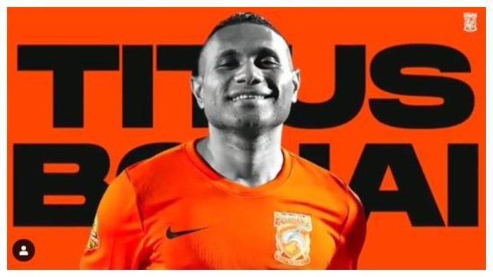 Mantan Striker Persipura Jayapura Titus Bonai Resmi Berlabuh ke Borneo FC