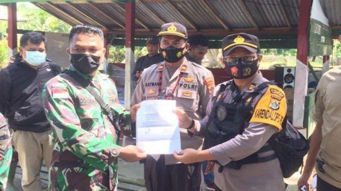6 Orang Terduga Anggota KKB Papua Diamankan TNI, Barang Bukti Diserahkan ke Polres Keerom