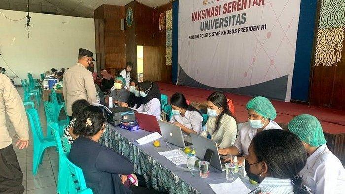 237 Warga Ikuti Vaksinasi Merdeka di Universitas Ottow Geissler Jayapura