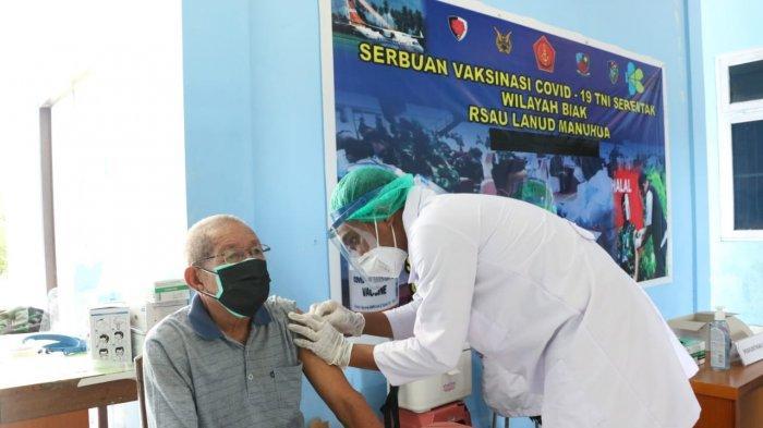 Sudah 2.000 Warga Biak Numfor Ikuti Vaksinasi Covid-19 di RS Manuhua