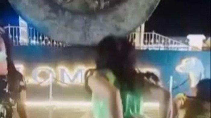 Viral Video TikTok Perempuan Berdaster Pamer Celana Dalam di Tugu Pangkalpinang, Wali Kota Kaget