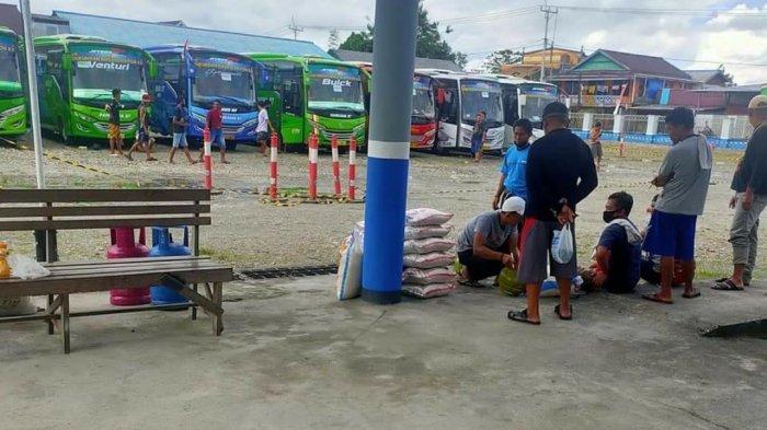 Dikira PON XX Digelar di Hutan, Sopir Bus Ramai-ramai Bawa Kompor dan Sembako ke Papua