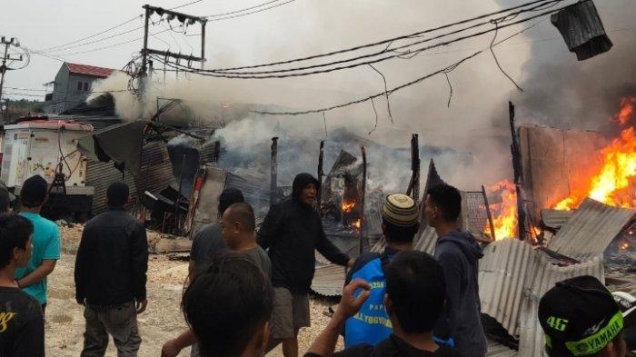 Puluhan Kios dan Lapak Pedagang di Pasar Youtefa Hangus Terbakar, Kerugian Ditaksir Capai Miliaran