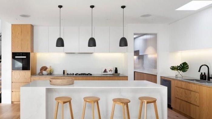 Memilih kelompok warna yang sama akan membuat dapur tampak lebih padu.(UNSPLASH/R ARCHITECTURE)
