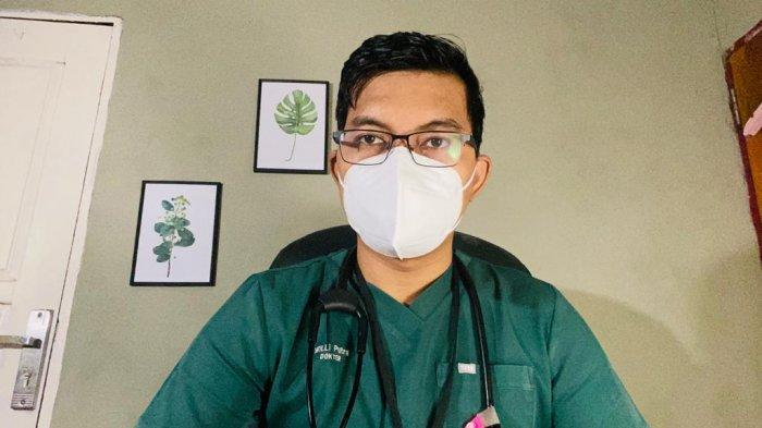 Dokter Willi Fragcana Putra : Jalani Isoman Tapi Tetap Layani Pasien Covid-19 Lewat Telemedicine