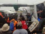 16092021-evakuasi-jenazah-pesawat-rimbun-air-1.jpg