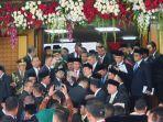 anggota-dpr-berfoto-bersama-presiden-jokowi.jpg