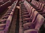 bangku-bioskop-berjamur.jpg