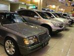 beragam-pilihan-mobil-dari-berbagai-tahun-tersedia-di-bursa-mobil-bekas.jpg