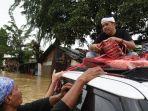 dedi-mulyadi-menyalurkan-bantuan-untuk-korban-banjir.jpg