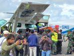 evakuasi-dua-ienazah-personel-tni-yang-gugur-di-distrik-dekai-kabupaten-yahukimo.jpg