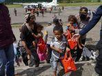 evakuasi-warga-dari-distrik-kiwirok-2.jpg