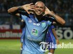 ivan-carlos-striker-persela-lamongan.jpg