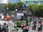 mahasiswa-menuju-istana-negara-jakarta-untuk-menggelar-unjuk-rasa.jpg