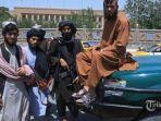 pejuang-taliban-berpose.jpg
