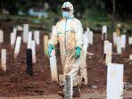 pemakaman-jenazah-pasien-covid-19-di-tempat-pemakaman-umum-tpu-bambu-apus-jakarta.jpg