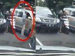 pengemudi-mobil-toyota-cayla-menonjok-sopir-ambulans-viral-di-media-sosial.jpg