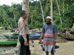 personel-polsek-jawai-saat-bersama-nelayan-yang-di-laporkan-hilang-65-jam.jpg