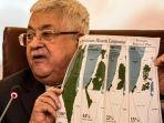 presiden-palestina-mahmoud-abbas-showing-maps.jpg