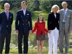 prince-joachim-paling-kiri-prince-amedeo-princess-laetitia-maria-princess-astrid-of-belgium.jpg