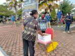 saat-para-asn-di-lingkup-pemerintah-provinsi-papua-barat-galang-donasi-untuk-ntt-s.jpg