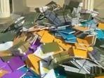 tangkapan-layar-tumpukan-skripsi-yang-dibuang-di-kampus-unilak.jpg