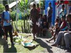 warga-di-kampung-beoga-kabupaten-puncak-papua-kini-bisa-tersenyum.jpg